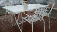 Tavolo-sedie-da-giardino-in-ferro